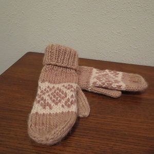 Anthropologie Chunky Knit Fair Isle Mittens pink